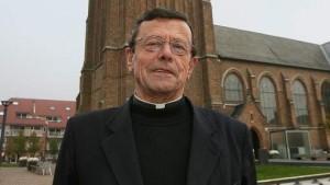 germain-dochy-prêtre